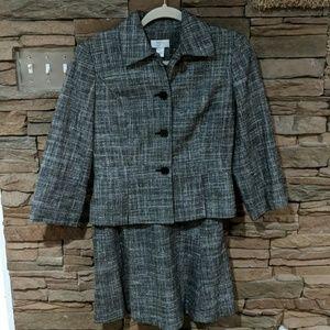 Loft suit size 4